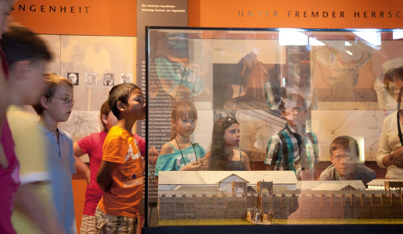 Spannende Ausstellungen von der Steinzeit bis zu den Römern gibt es im Museum Quintana in Künzing zu sehen.