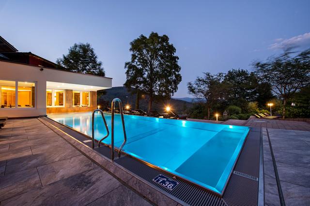Pool_Burghotel Sterr