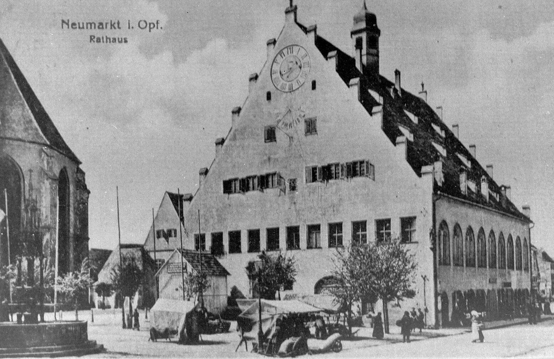 Archivbild vom Rathaus in Neumarkt i.d.OPf.