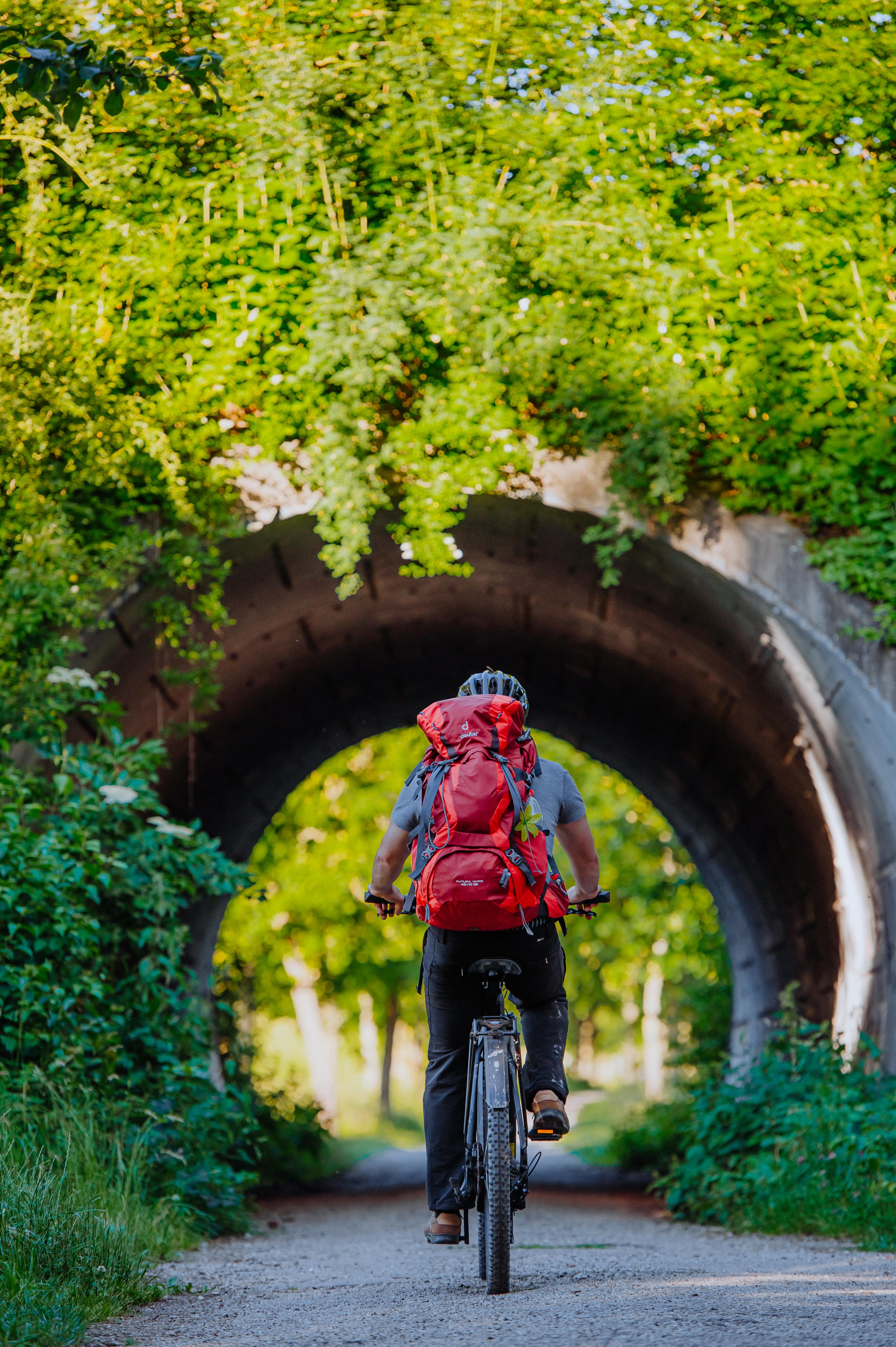 Auf Radtour rund um die Stadt Dingolfing