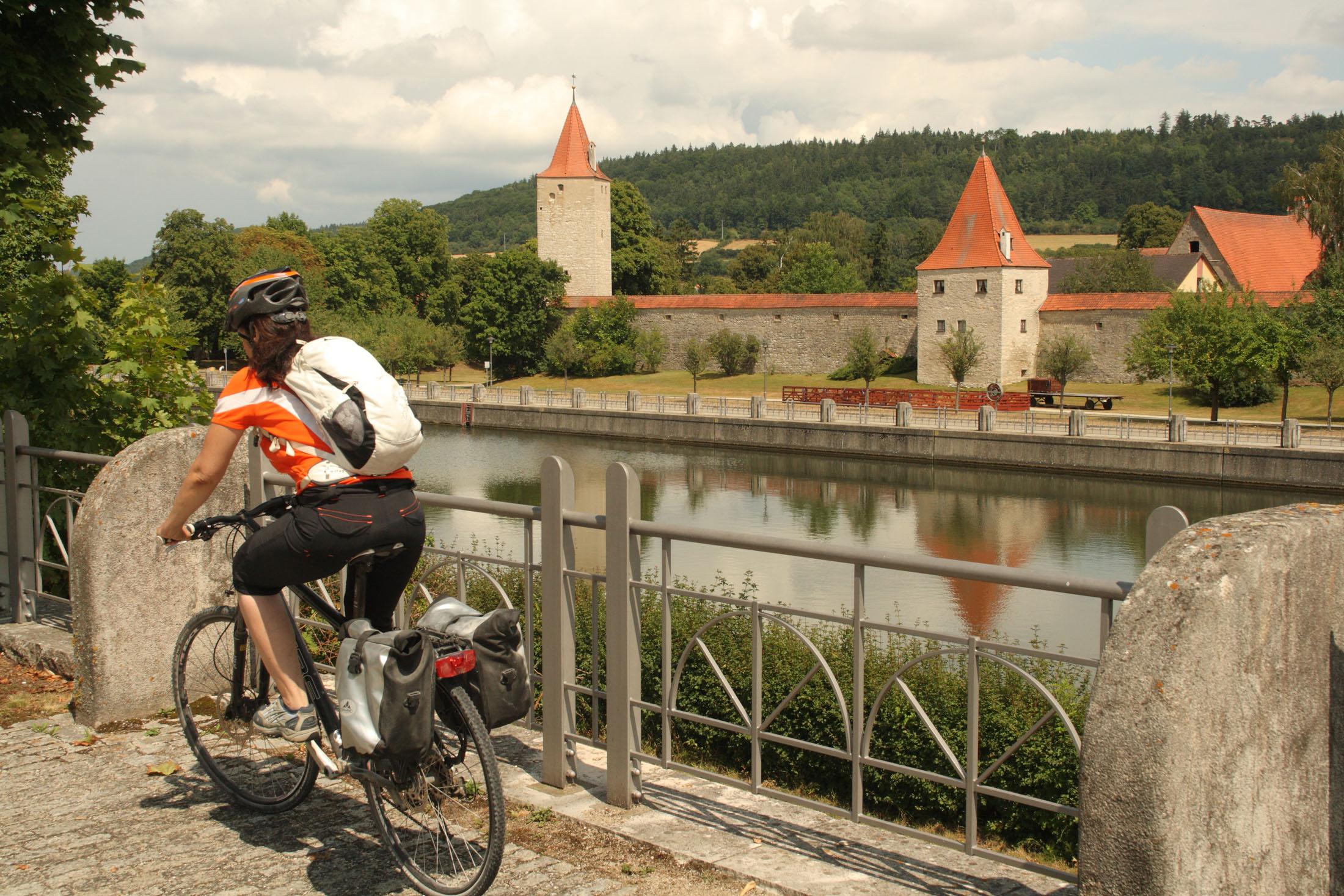 "Berching is one of the historic markets along the 300 km long circle trail ""Fünf-Flüsse-Radweg""."