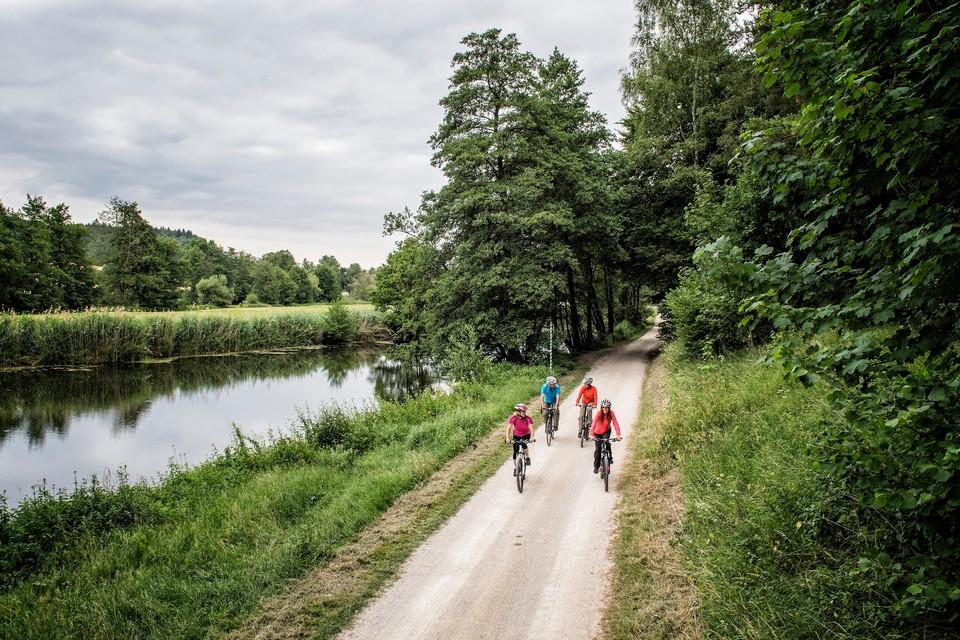 Mit dem Rad unterwegs auf dem Fünf-Flüsse-Radweg im Bayerischen Jura