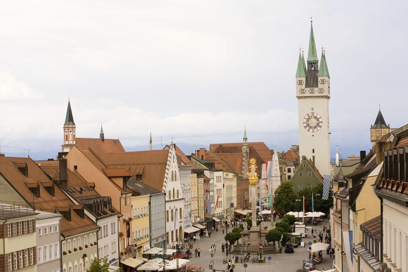 Der Donau-Radweg führt auch nach Straubing