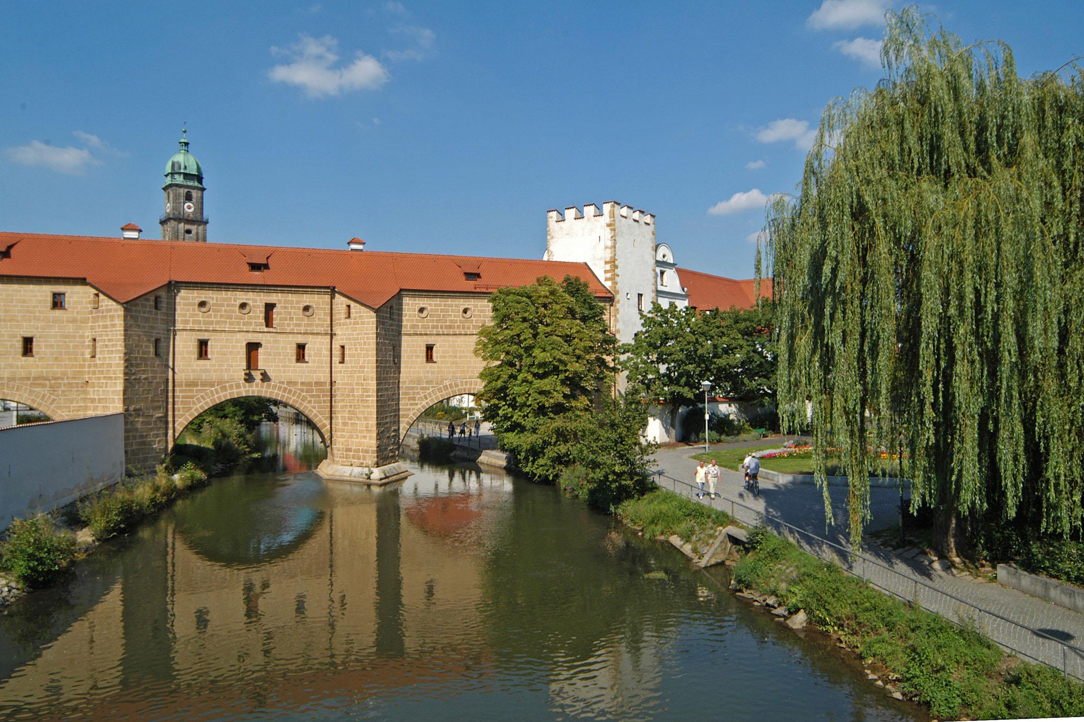 Medieval wall and bridge in Amberg - Die Amberger Stadtbrille: Mittelalterliche Stadtmauer und Brücke