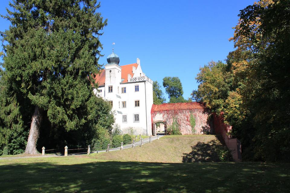 Das Schloss Teisbach kann bei Führungen entdeckt werden.
