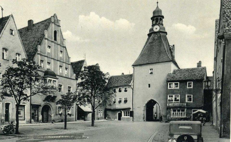 Archivbild des historischen Marktplatzes in Weiden i.d.OPf.