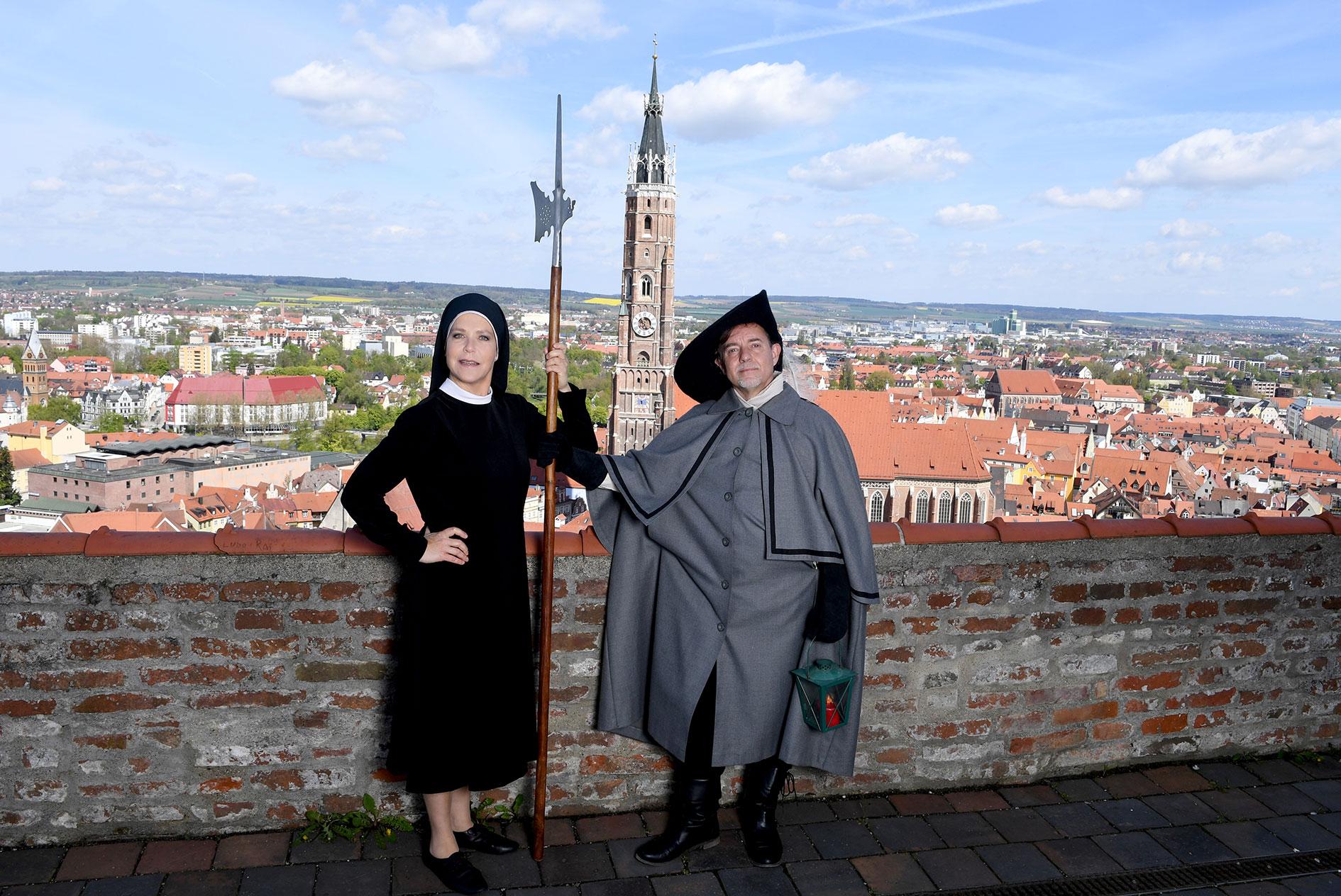 Deutschlands bekannteste TV-Nonne Janina Hartwig führt ab Mittwoch online durch Landshut – und freut sich jetzt schon auf ein Live-Treffen mit den Preisträgern des Gewinnspiels zum Stadtspaziergang