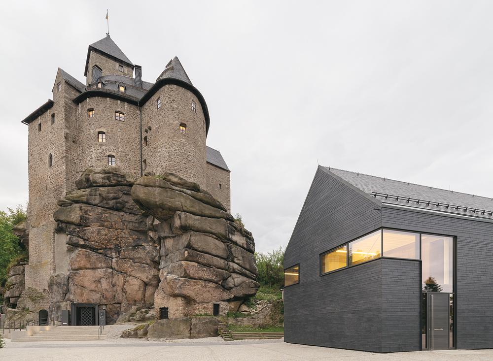 Revitalisierte Burganlage Falkenberg mit Konferenzzentrum