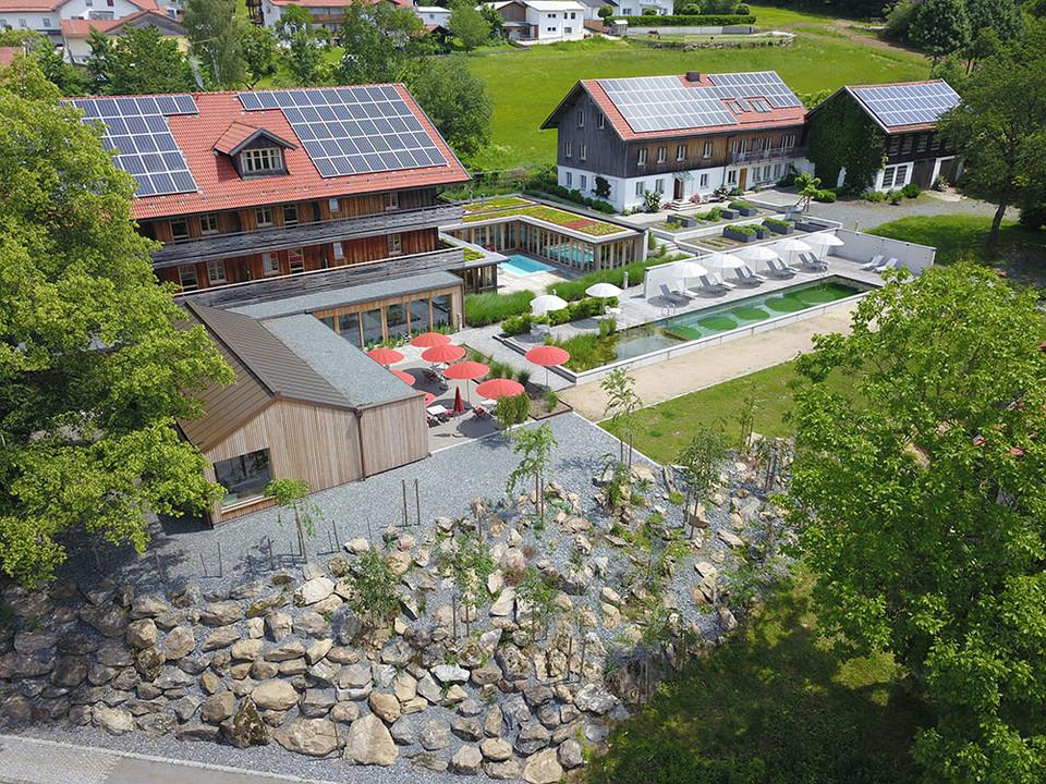 Luftbild Biohotel Pausnhof