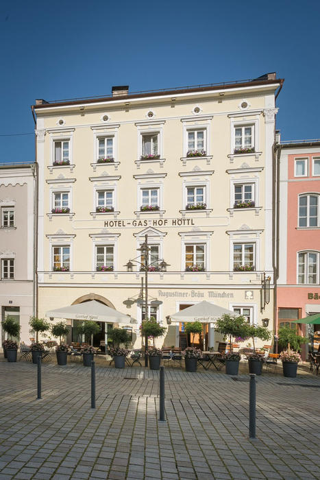 Das Hotel Höttl in Deggendorf