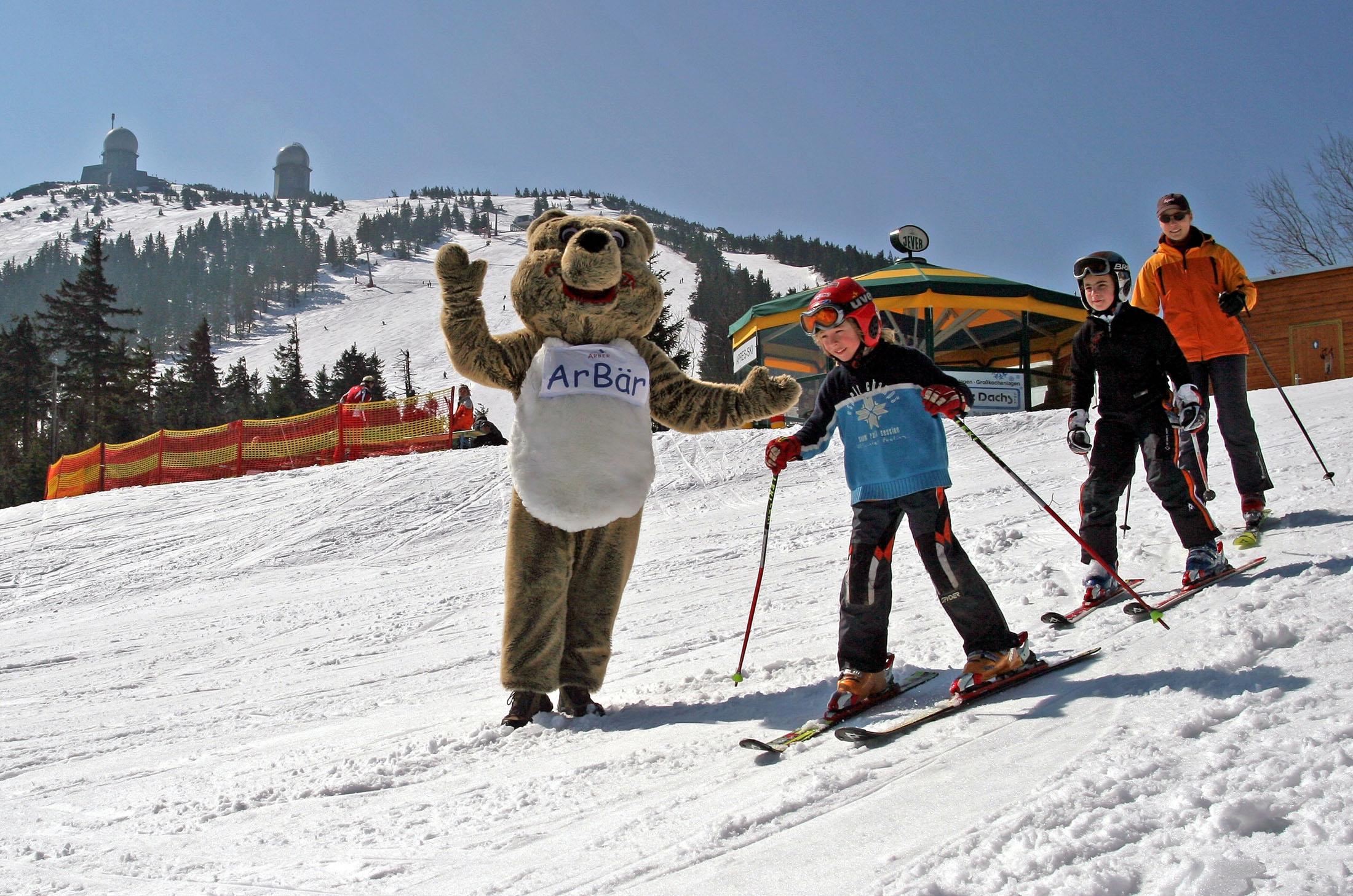 Skiing in ArBär Kinderland - Skifahren im ArBär Kinderland