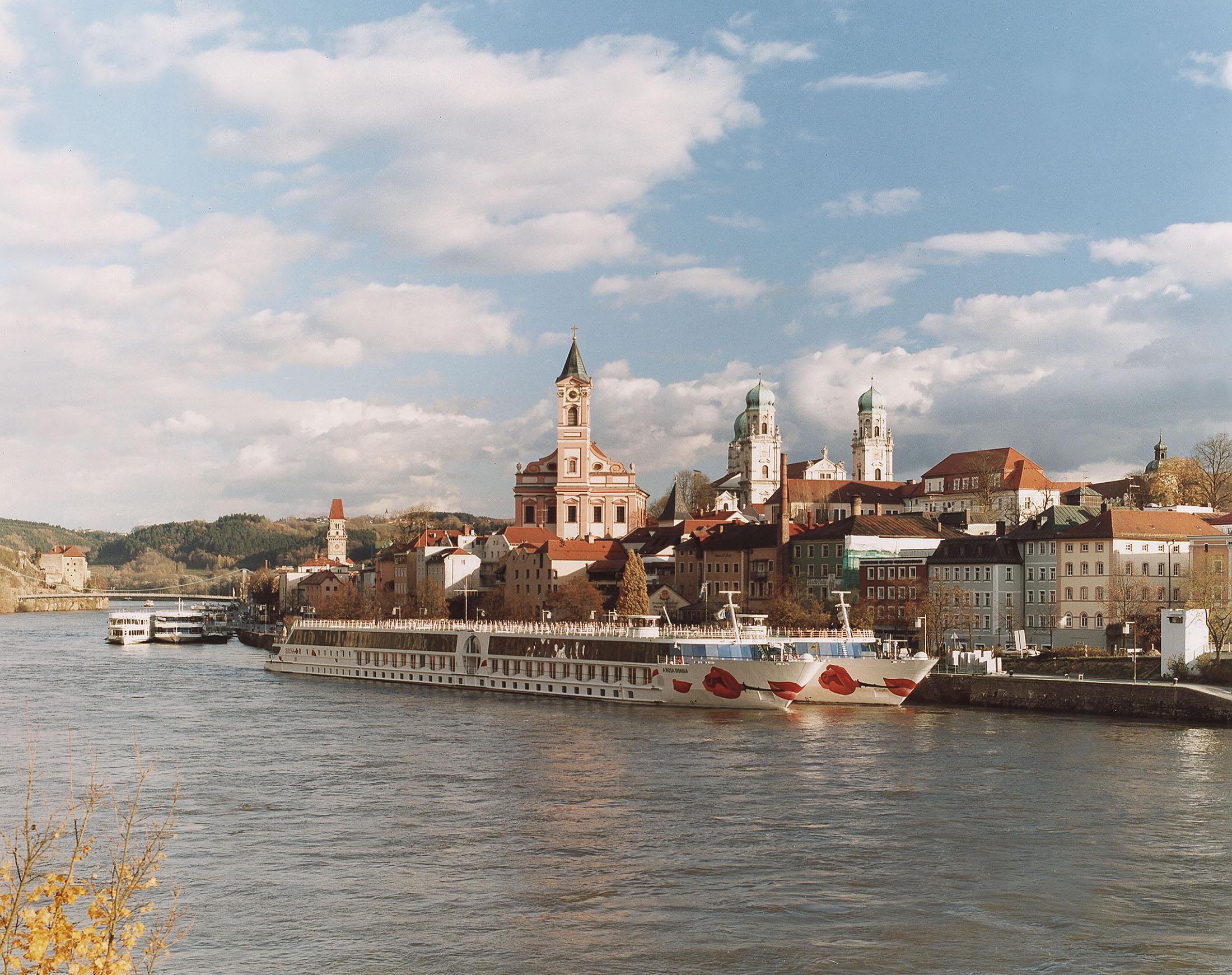 Cruise ships in Passau - Kreuzfahrtschiffe in Passau