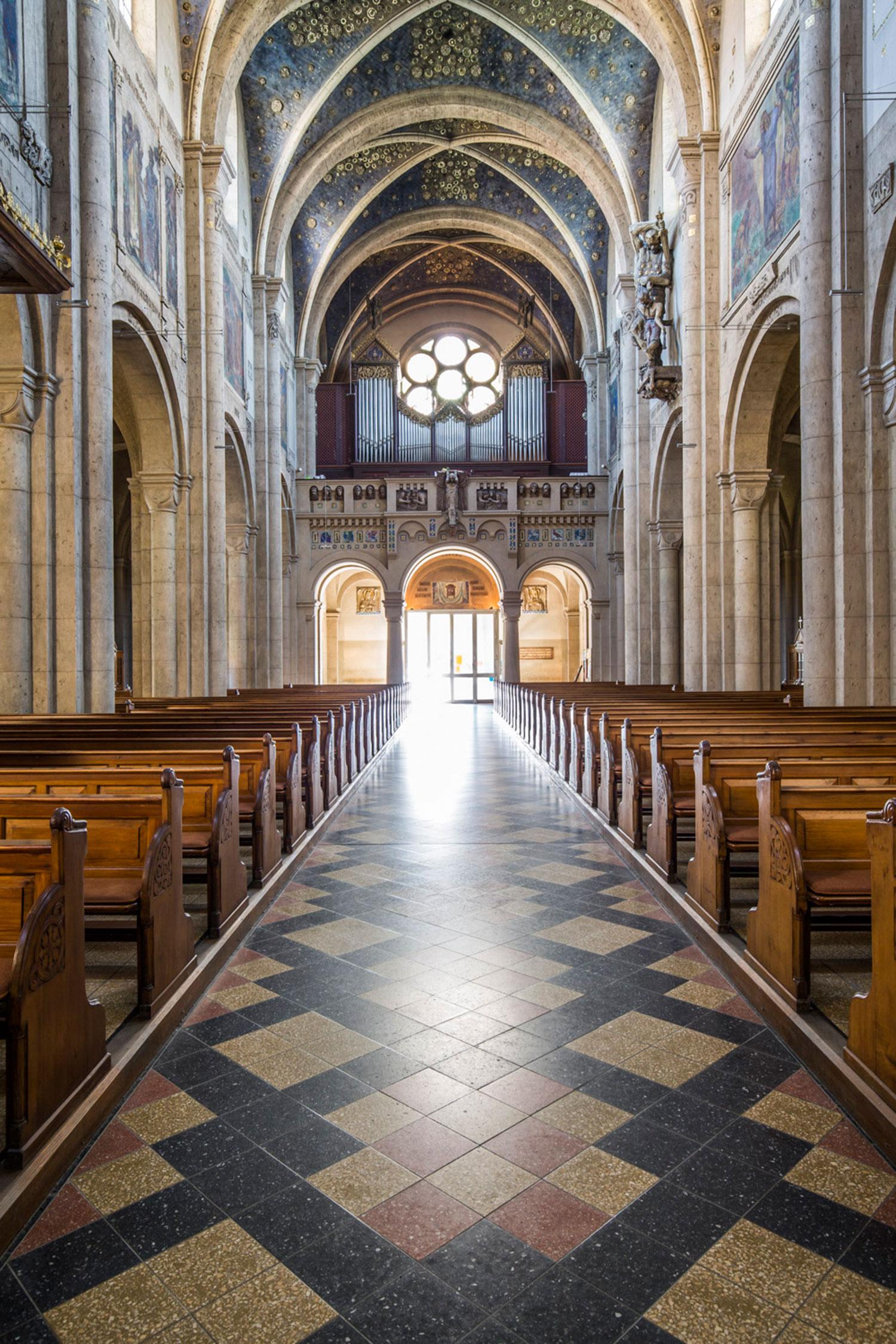 Die Kirche St. Josef in Weiden ist ein Juwel des Jugendstils.