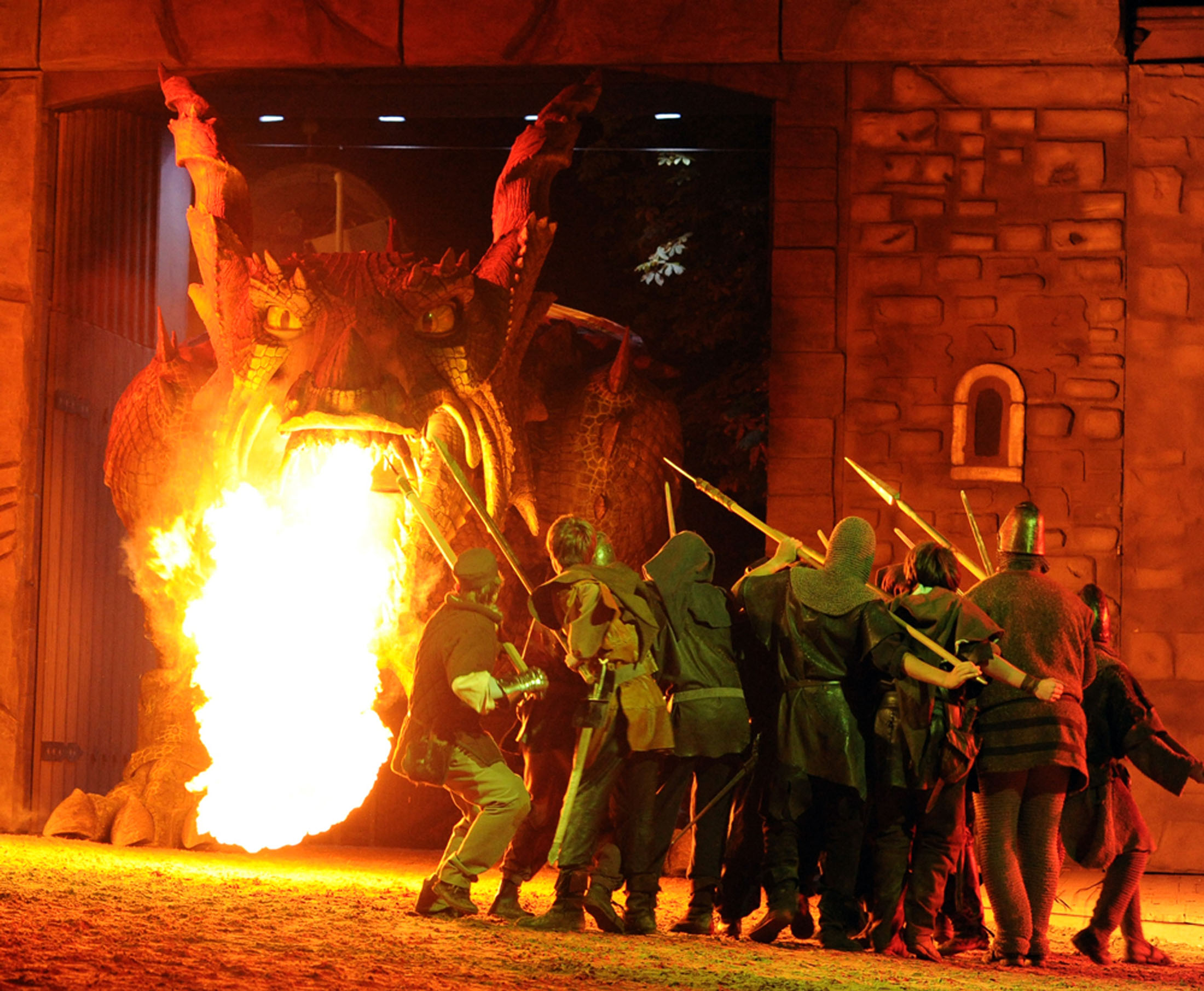 The Dragon Slaying Festival (Drachenstich) uses the world´s largest walking robot, a 15-metre-long, fire-breathing dragon - Further Drachenstich