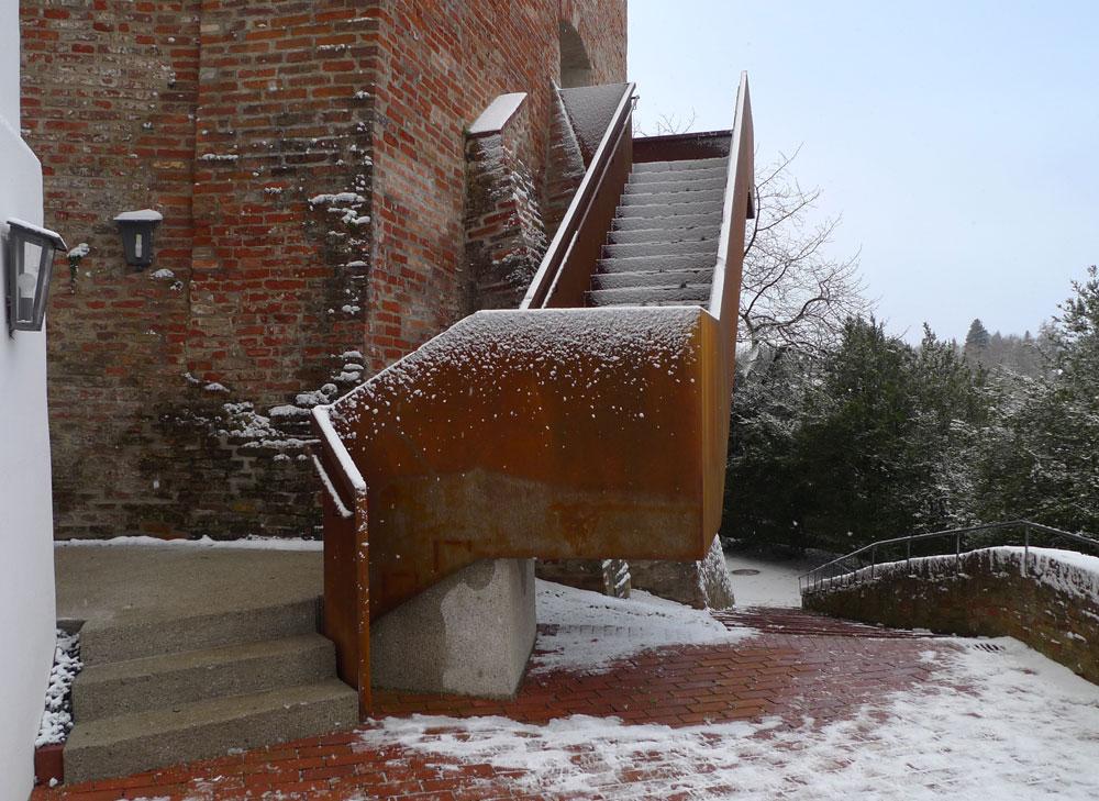Feuerfest und modern: die Fluchttreppe der Burg Trausnitz in Landshut