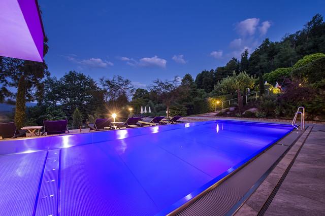 Pool Burghotel Sterr
