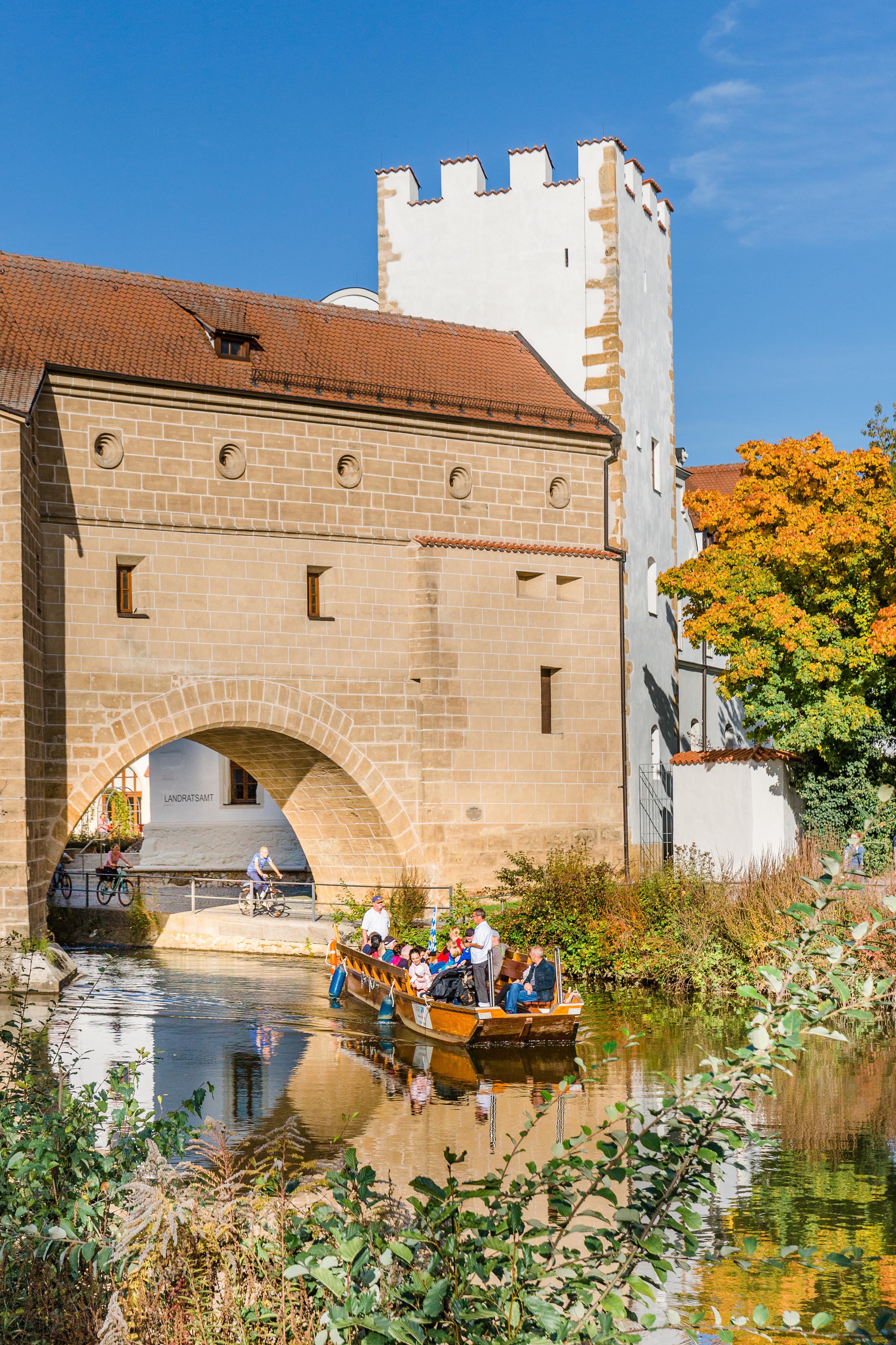 Gemütliche Plättenfahrt auf der Vils in Amberg