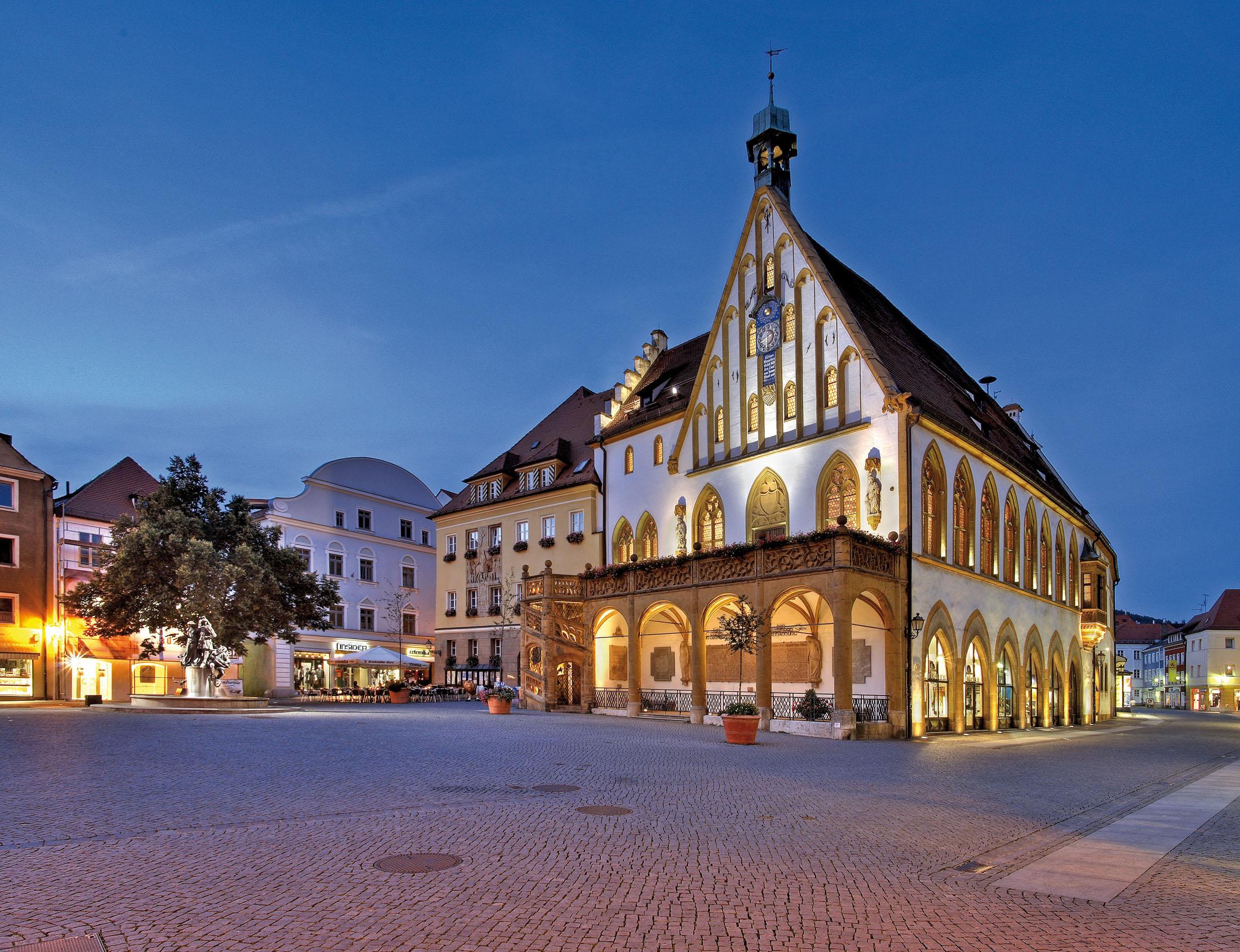 The gothic town hall in Amberg - Das gothische Rathaus in Amberg