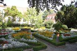 Der Herzogspark ist ein echtes Juwel und liegt nur wenige hundert Meter entfernt von der mittelalterlichen Regensburger Altstadt.