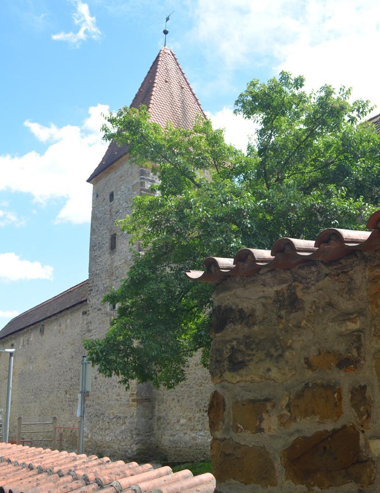Ein Stadtgraben, eine äußere und eine innere Stadtmauer mit fast einhundert Türen und Toren machten Amberg über Jahrhunderte uneinnehmbar.
