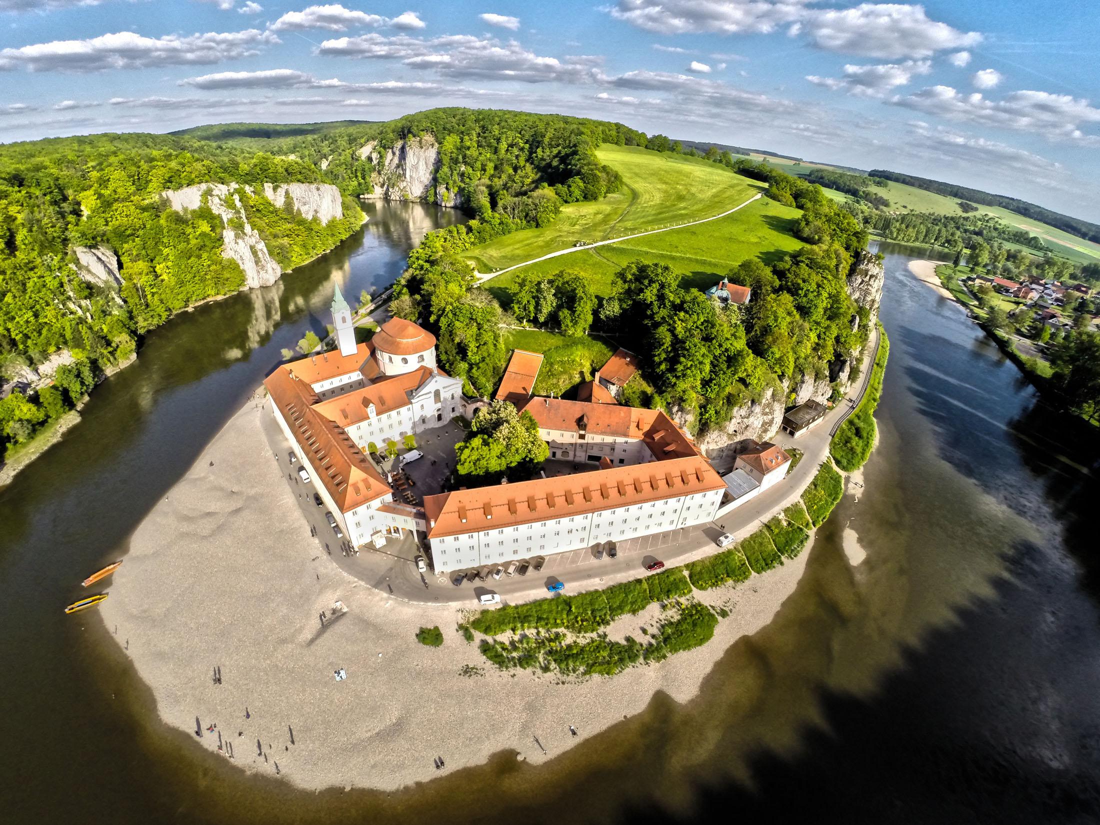 Weltenburger Abbey - Weltenburger Enge mit Kloster Weltenburg