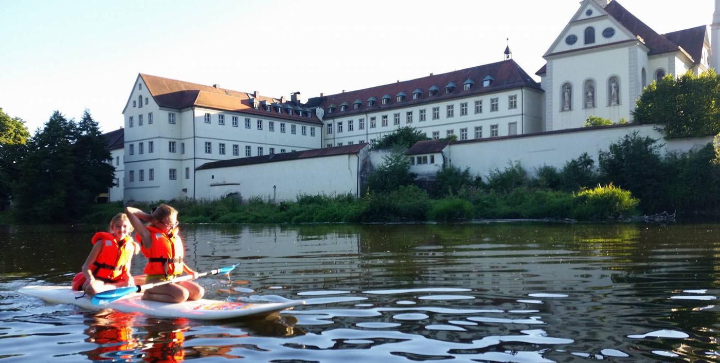Tour auf der Naab vor dem Schloss Pielenhofen