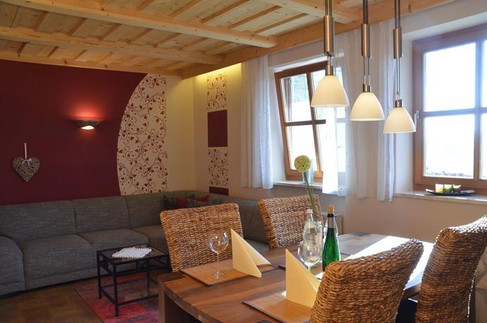 Wohnbereich Ferienwohnung Rosengarten