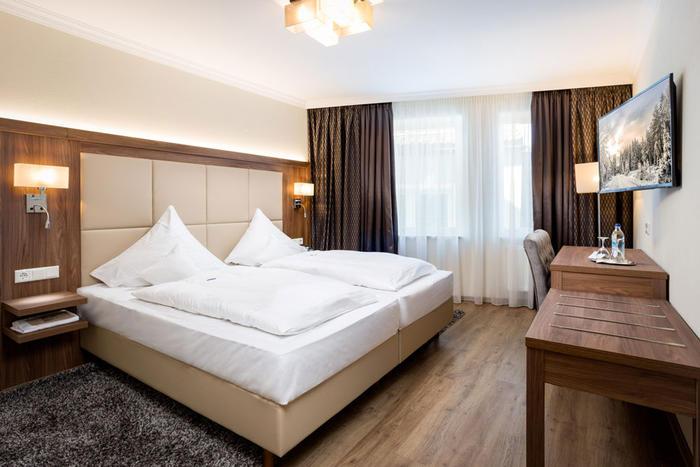Wunderbar entspannen in neu renovierten und modern ausgestatteten Zimmern im Hotel Höttl in Deggendorf