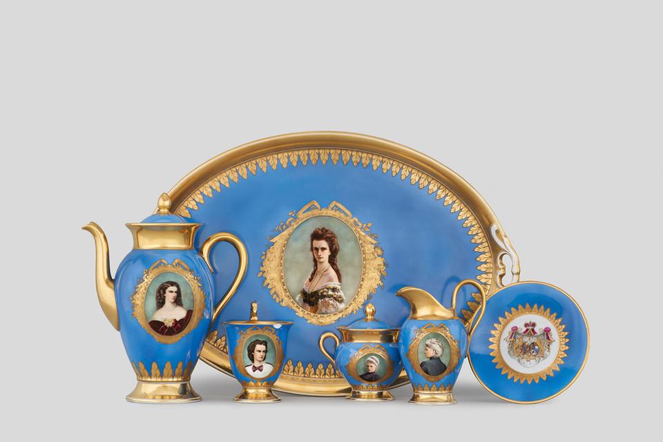Kaffeeservice mit Porträts von Erbprinzessin Helene