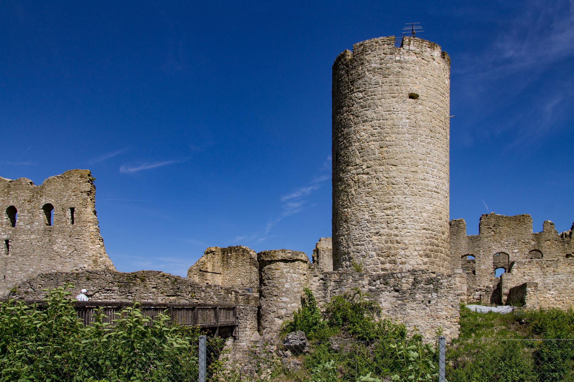 Castle ruin Wolfstein the town's landmark - Die Burgruine Wolfstein das Wahrzeichen von Neumarkt