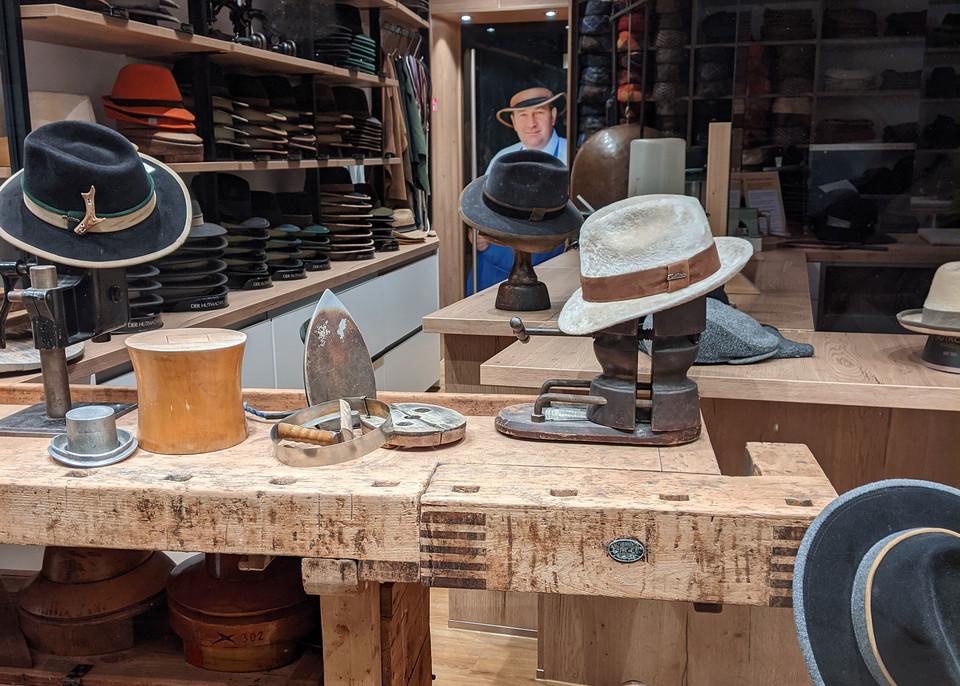 Neugestaltete Hutmanufaktur in Regensburg