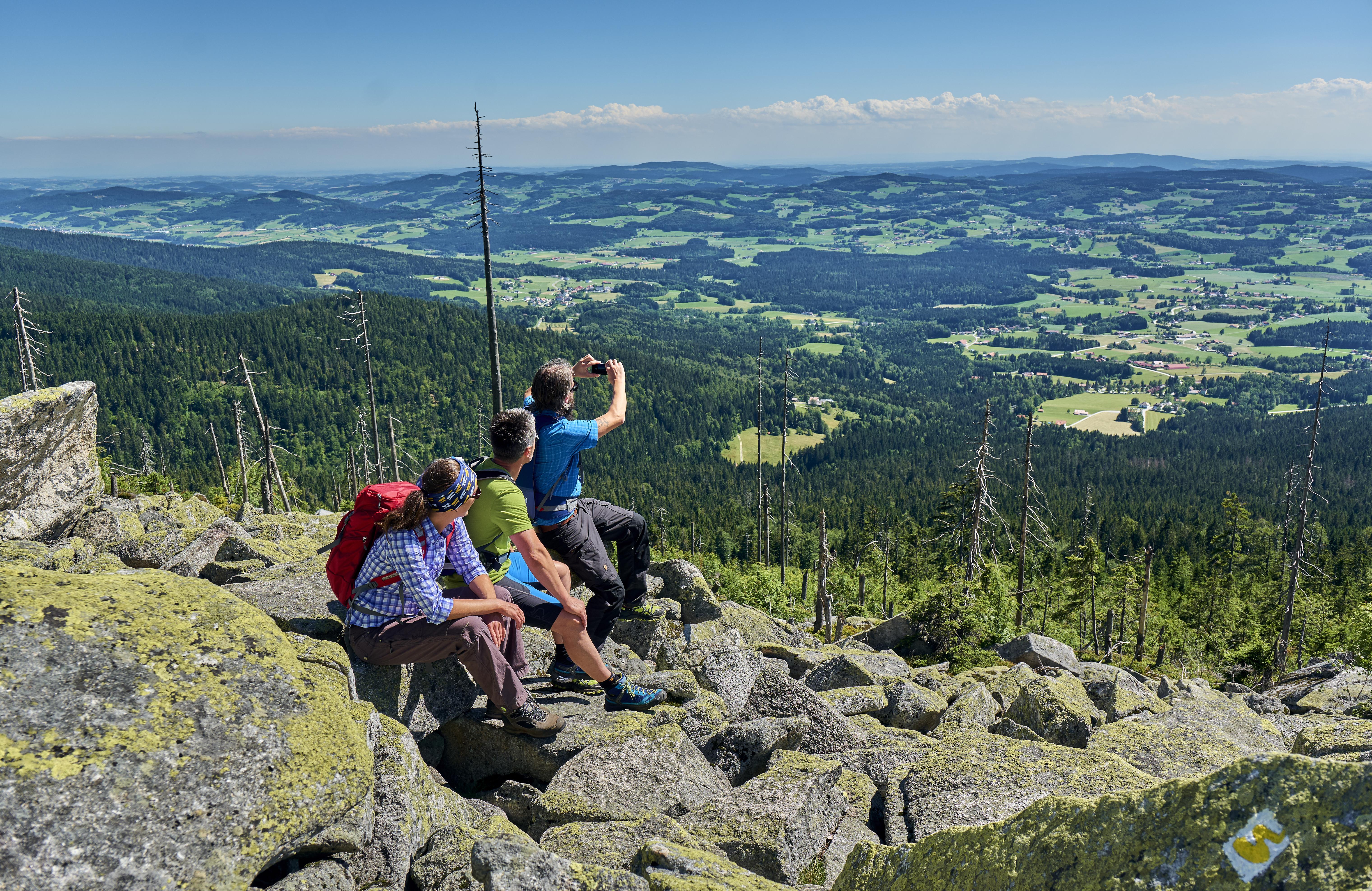 Grenzenlose Ausblicke vom Dreisessel im Bayerischen Wald