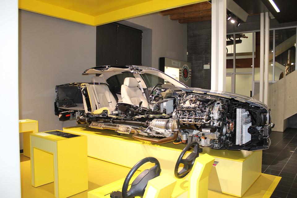Im Museum in Dingolfing erfahren die Besucher mehr über die weltweit bekannten BMW-Fahrzeuge.