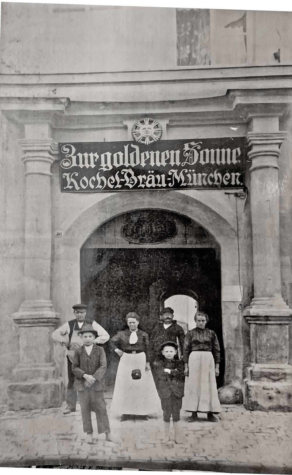 Vor den Toren des Hotels (Archivbild)