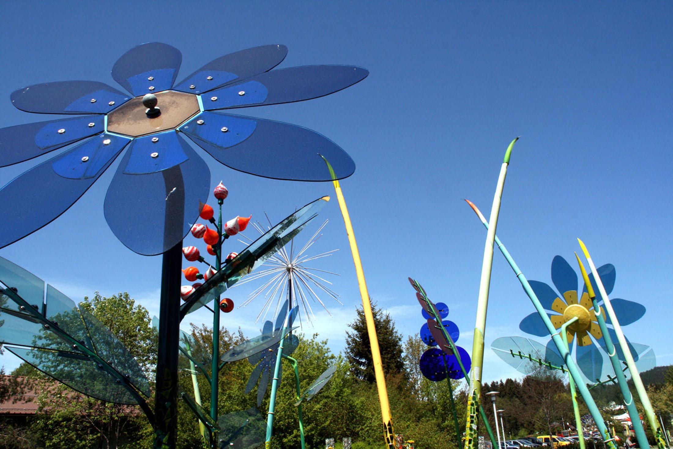 Glas Flowers at JOSKA in Bodenmais- Glasblumen bei JOSKA Kristall