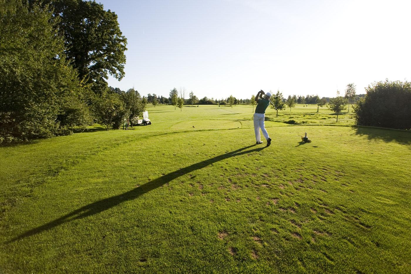 Auf dem Golfplatz im Bayerischen Golf- und Thermenland