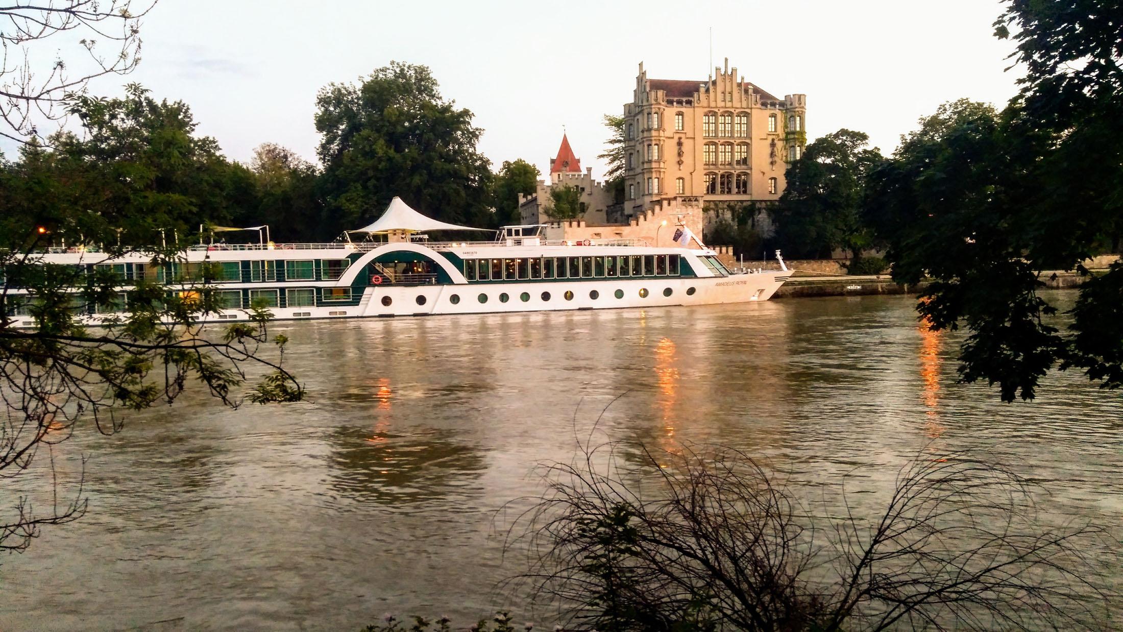 Boat trip on the river danube at Straubing - Schifffahrt auf der Donau bei Straubing