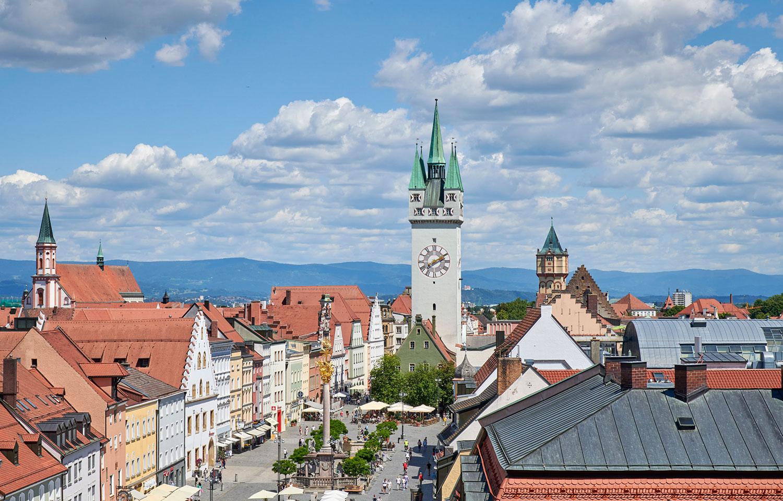 Blick auf den Stadtplatz von Straubing