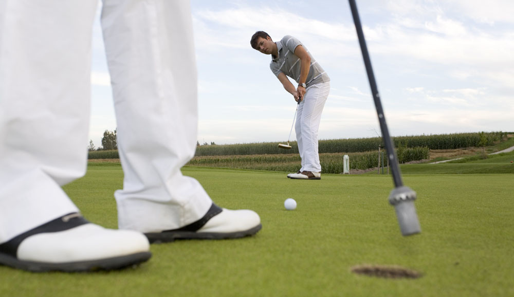 Das Bayerische Golf- und Thermenland besitzt eine unvergleichlich hohe Golfplatzdichte: Es gibt hier und in den angrenzenden Regionen über 40 Golfplätze.