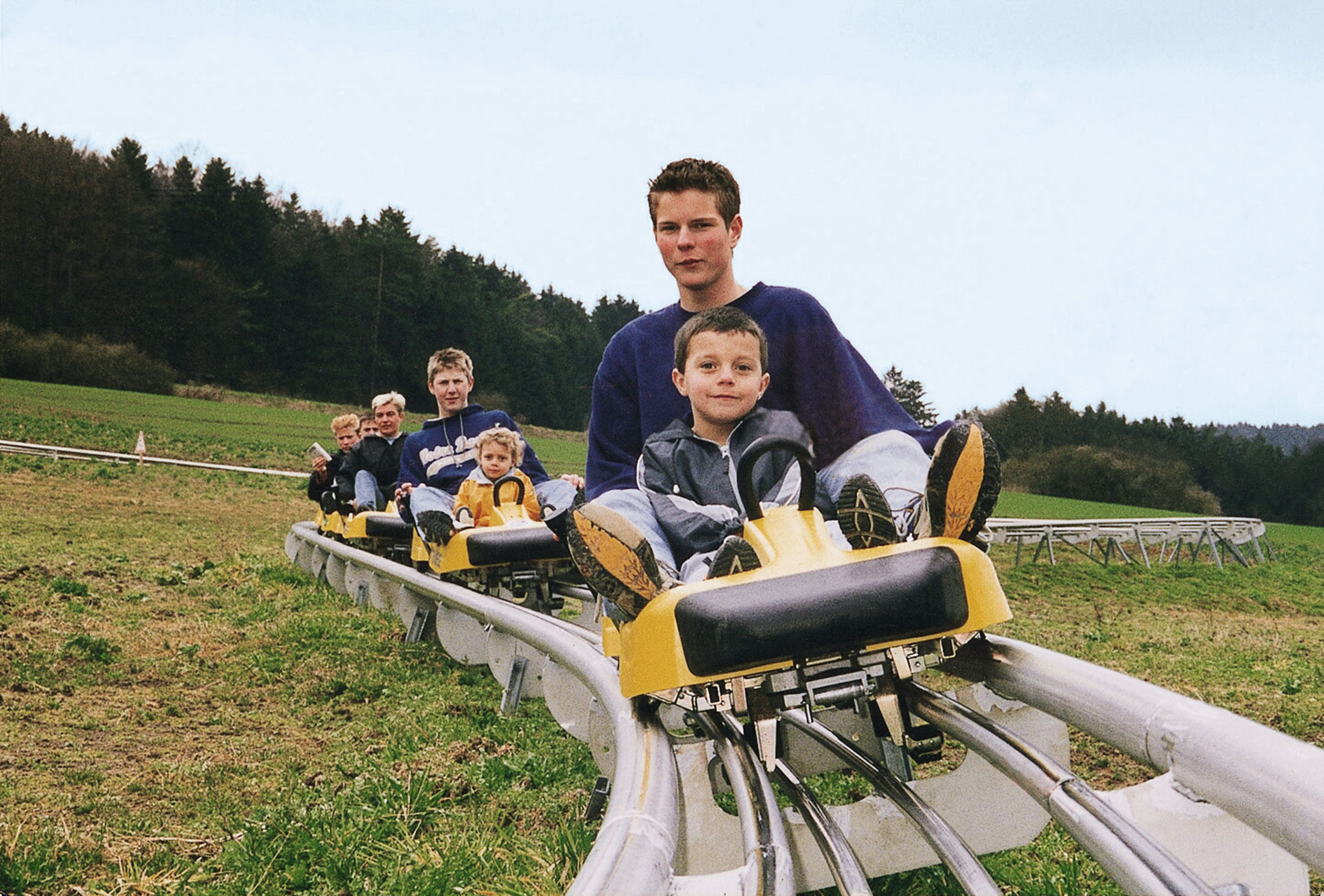 Ride on the bobsleigh and toboggan runs which can be over 1000 m long - Sommerrodelbahn in Riedenburg
