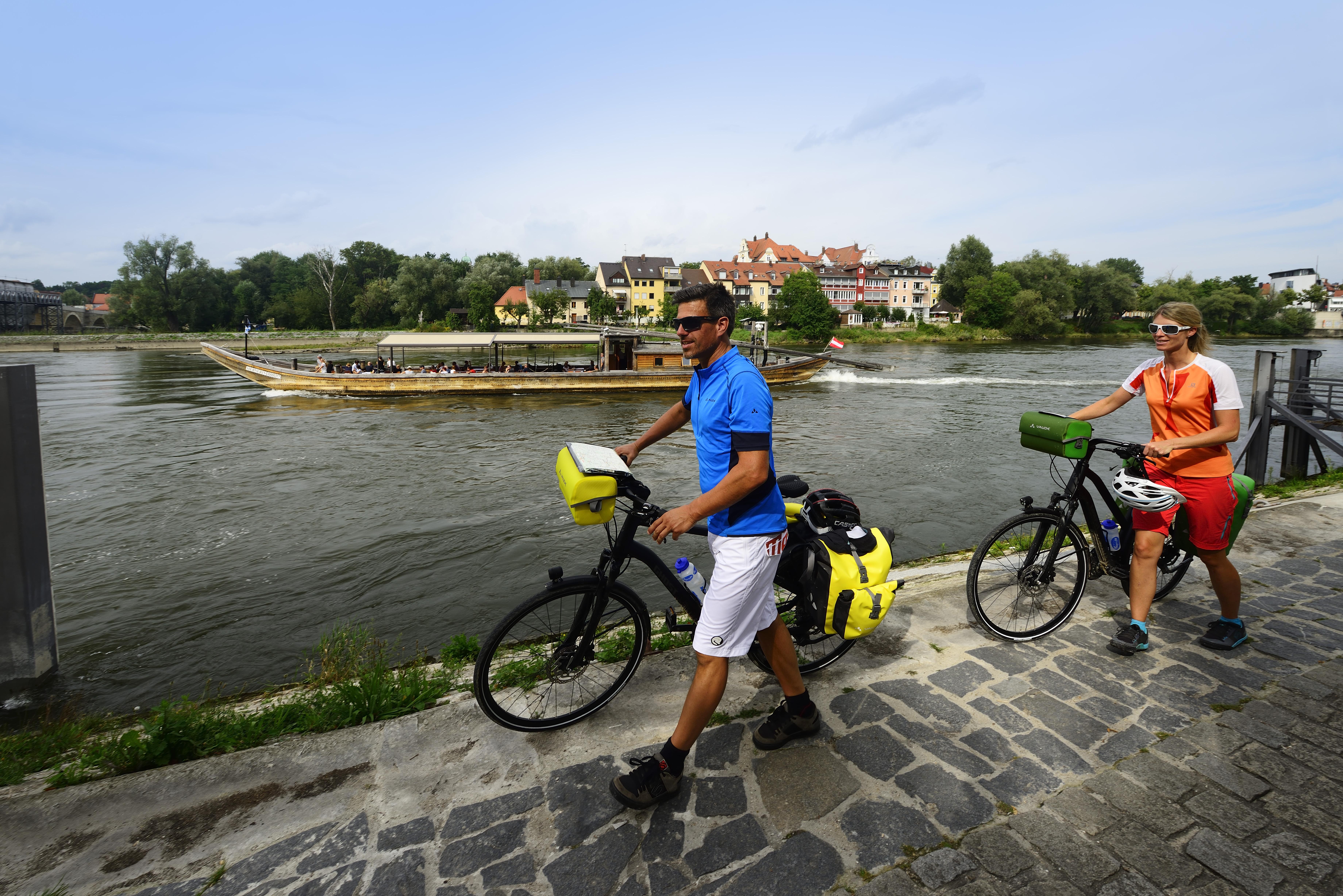 Mit dem Fahrrad durch Regensburg an der Donau