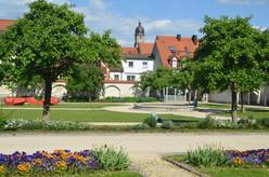 Der Maltesergarten ist ein versteckter, grüner Ruhepol im Herzen der Stadt Amberg.