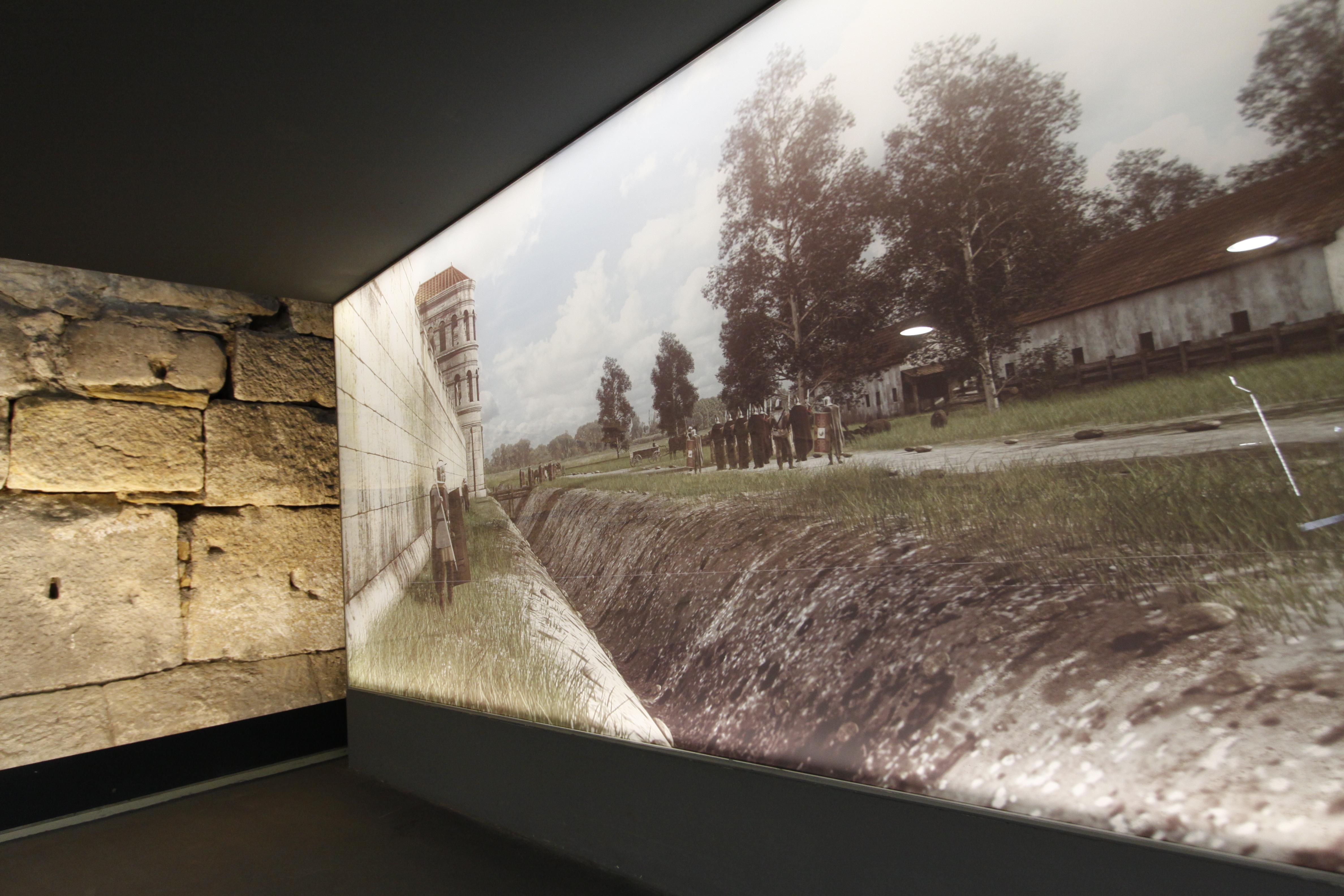 Bis heute sind in Regensburg viele der römischen Spuren zu finden. So sind an der Ostseite des ehemaligen Legionslagers, im heutigen Parkhaus am Dachauplatz, Reste der römischen Lagermauer bis heute sichtbar.