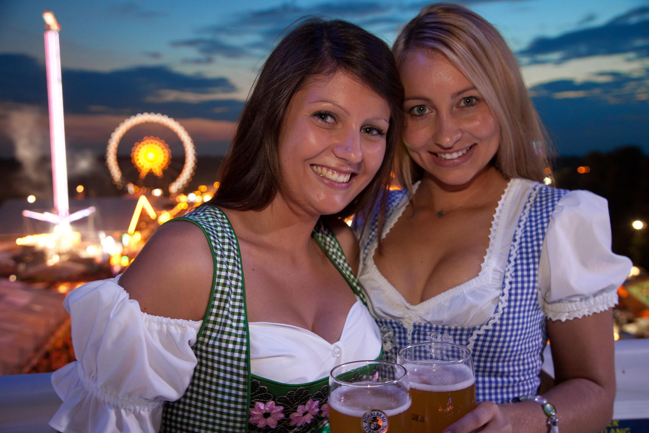 At the second largest public festival in Bavaria - Straubinger Gäubodenfest